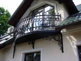 Варианты перил для балкона, как установить ограду своими руками видео
