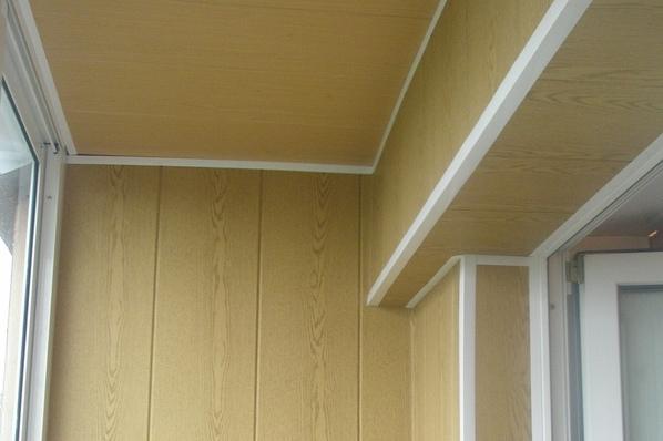 Как обшить балкон, внутренняя обшивка своими руками.