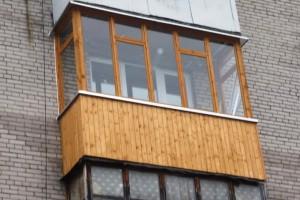 Отделка балкона сайдингом, для лоджии лучше профнастил