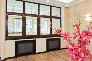 Магазин деревянных оконных конструкций «Окна 21 века», ассортимент, услуги и акции