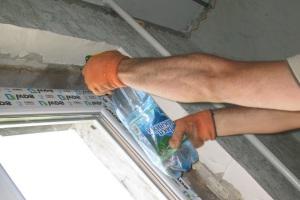 Инструкция, как правильно запенивать окна и откосы для окна