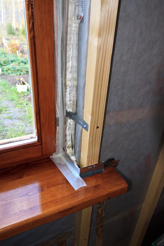 Montáž drevených okien pre hostí