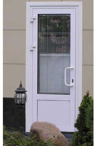 фото пластиковых входных дверей со стеклом