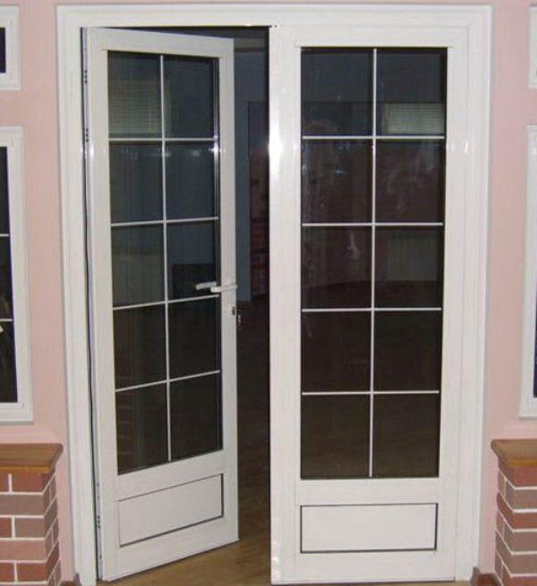 балконная пластиковая дверь со стеклом фото