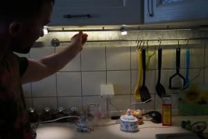 Полки из стекла со светодиодной подсветкой, как установить