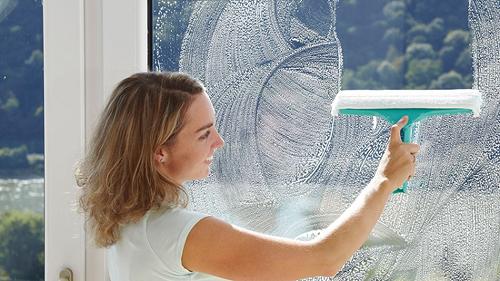 Как быстро и просто помыть пластиковые окна
