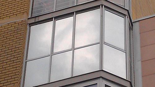 Как выбрать и установить солнцезащитную пленку для окон