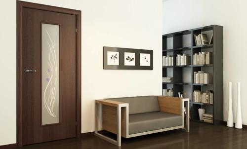 Особенности и достоинства дверей с ПВХ покрытием