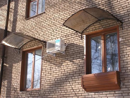 Козырек над окном