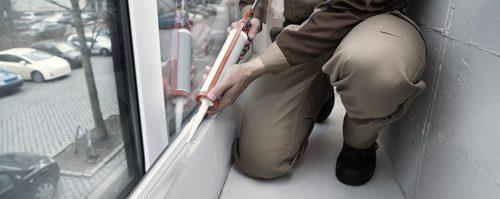 Как выполняется герметизация пластиковых окон