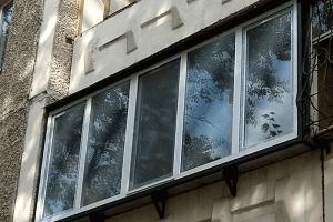 теплое остекление3-х метрового балкона