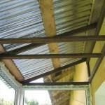Монтаж крыши лоджии