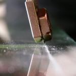 Как резать стекло для балконных рам