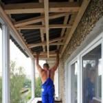 Обрешетка потолка на балконе с устройством закладки
