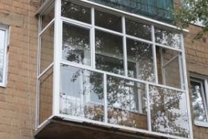 Одинарные стеклопакеты на балконе