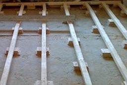 Лаги на балконе