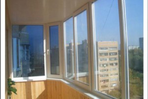 Остекление балкона профилями ПВХ