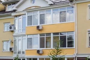 Компания ОкнаМобифон берется за остекление балконов