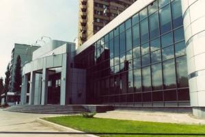 Фасад, остекленный компанией ОкнаМобифон