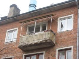 балкон с каркасом