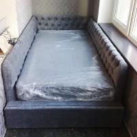 Оборудованная спальня на балконе