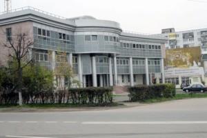 Остекление административного здания профилем Krauss