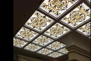 Витражный потолок от студии <<Ирида>>