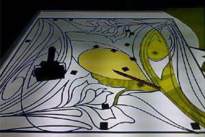 аппликативная плёнка наклеивается на стекло