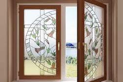 Витражное украшение пластикового окна