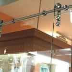 Обзор фурнитуры для перегородок из стекла