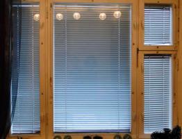 Окна со встроенными горизонтальными жалюзи