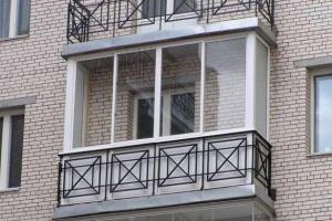 Окна из пластика на балконе