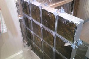 Укладка стеклянных блоков своими руками
