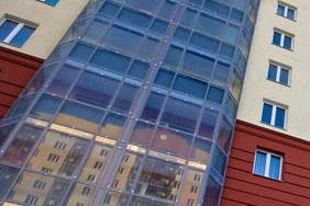 Фасад с витражным остеклением