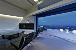 Использование стекла в оформлении домашнего кинотеатра