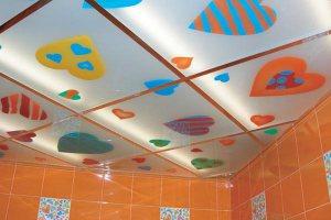Потолок из ткани с зеркальным эффектом