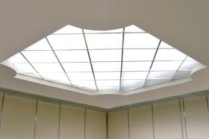 Силикатное стекло в качестве потолка