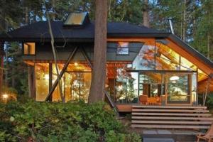 Дом из стекла в скандинавском стиле