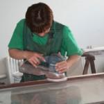 Регулировка стеклопакета в деревянном окне