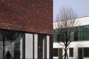 Остекление профилем Reynaers школы в Роттердаме