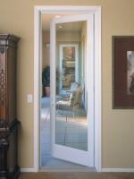 Пластиковые двери тоже относят к металлическим, т.к. в них используется алюминий
