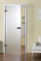 Самый распространенный дизайн стеклянных дверей в магазинах – полностью из стекла с алюминиевой коробкой