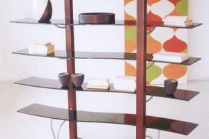 Стеклянная полка с декоративными функциями