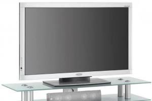 Полки из стекла для аппаратуры и телевизора