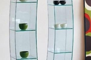 Сложные конструкции из стекла с полками