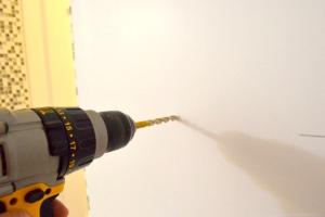 Сверловка отверстий под дюбеля