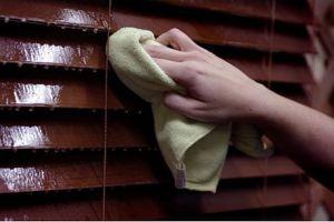 Чистка деревянных жалюзи