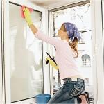 Мытьё пластикового окна