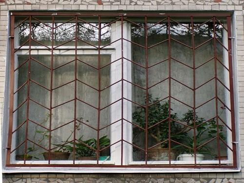 Установить решетки на окна