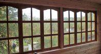 Деревянные окна на веранду